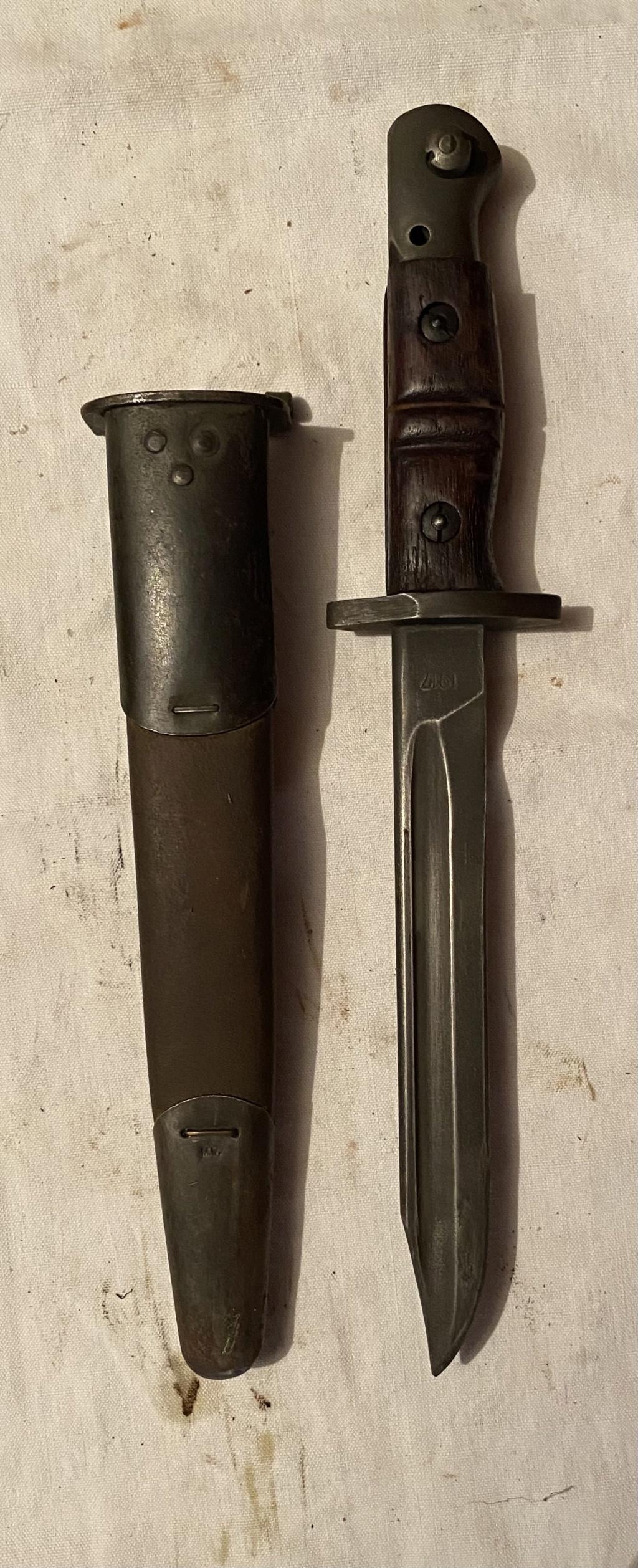 52 armes blanches ! Baïonnettes, dagues, toutes nationalités et époques ! Part 2 35_110