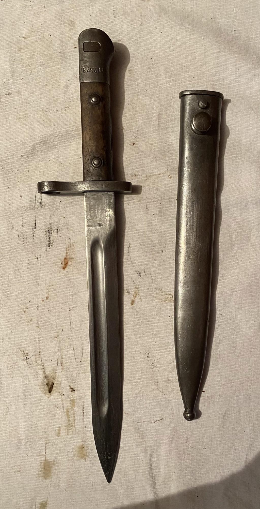 52 armes blanches ! Baïonnettes, dagues, toutes nationalités et époques ! Part 2 37_110