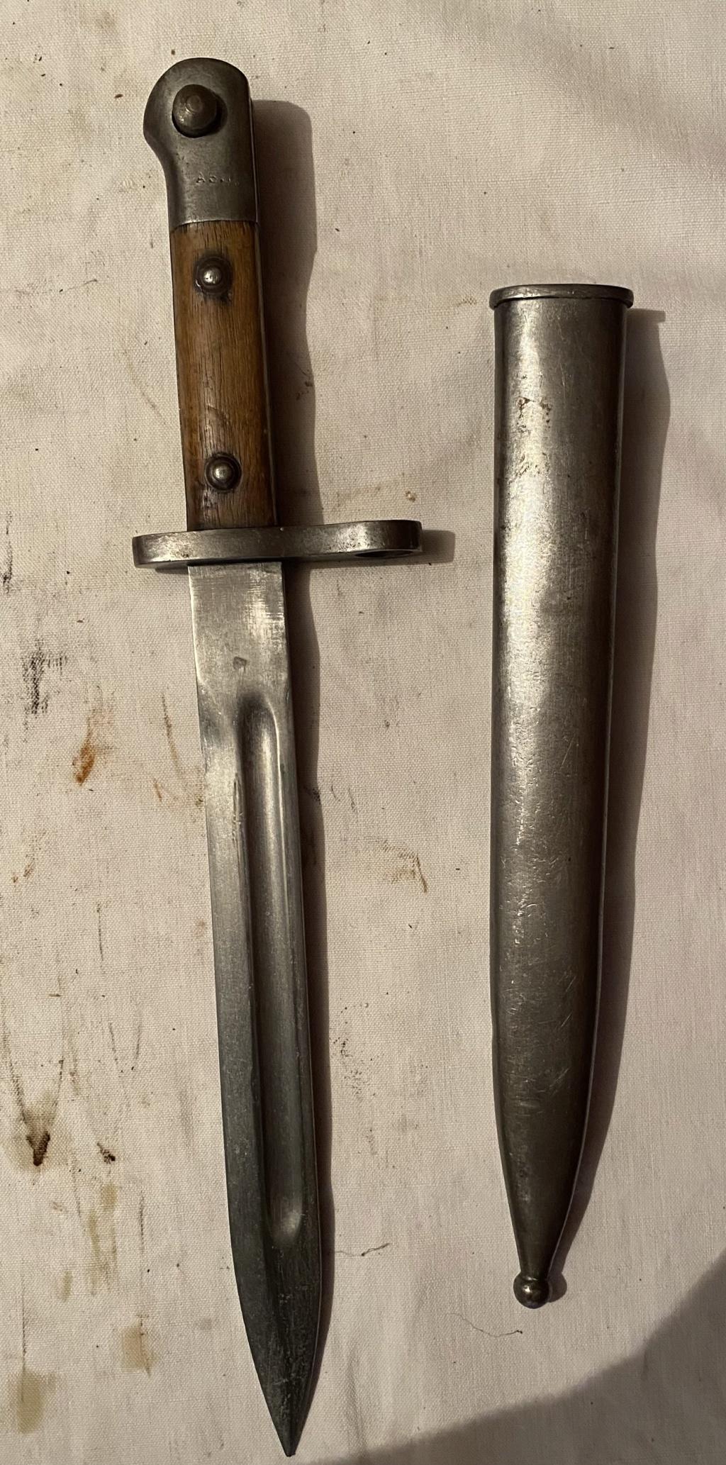 52 armes blanches ! Baïonnettes, dagues, toutes nationalités et époques ! Part 2 37_210