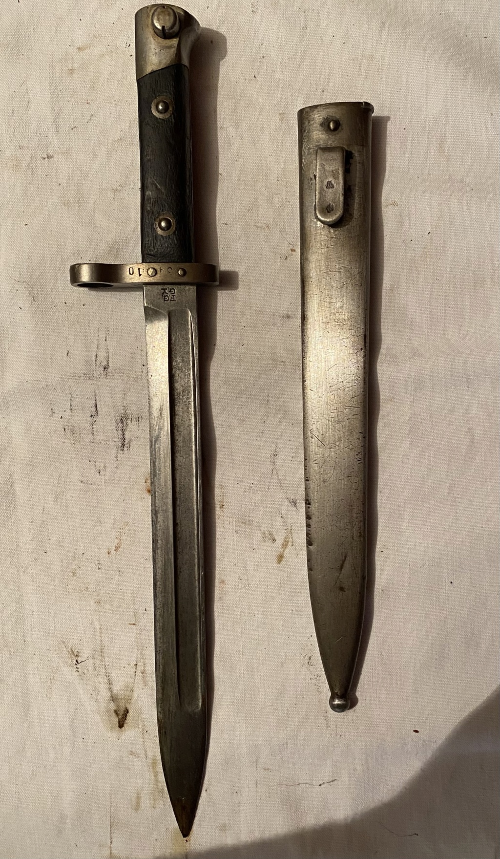 52 armes blanches ! Baïonnettes, dagues, toutes nationalités et époques ! Part 2 38_110