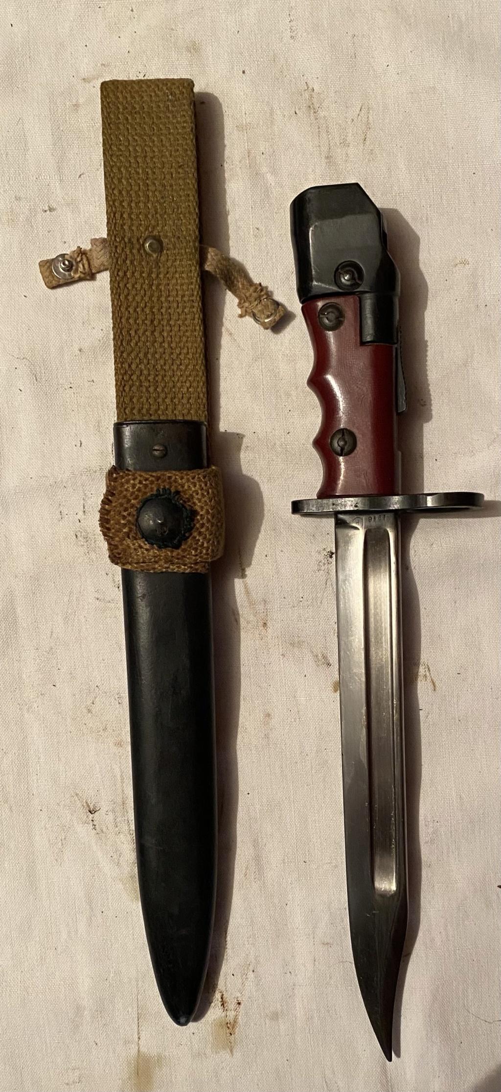 52 armes blanches ! Baïonnettes, dagues, toutes nationalités et époques ! Part 2 41_110