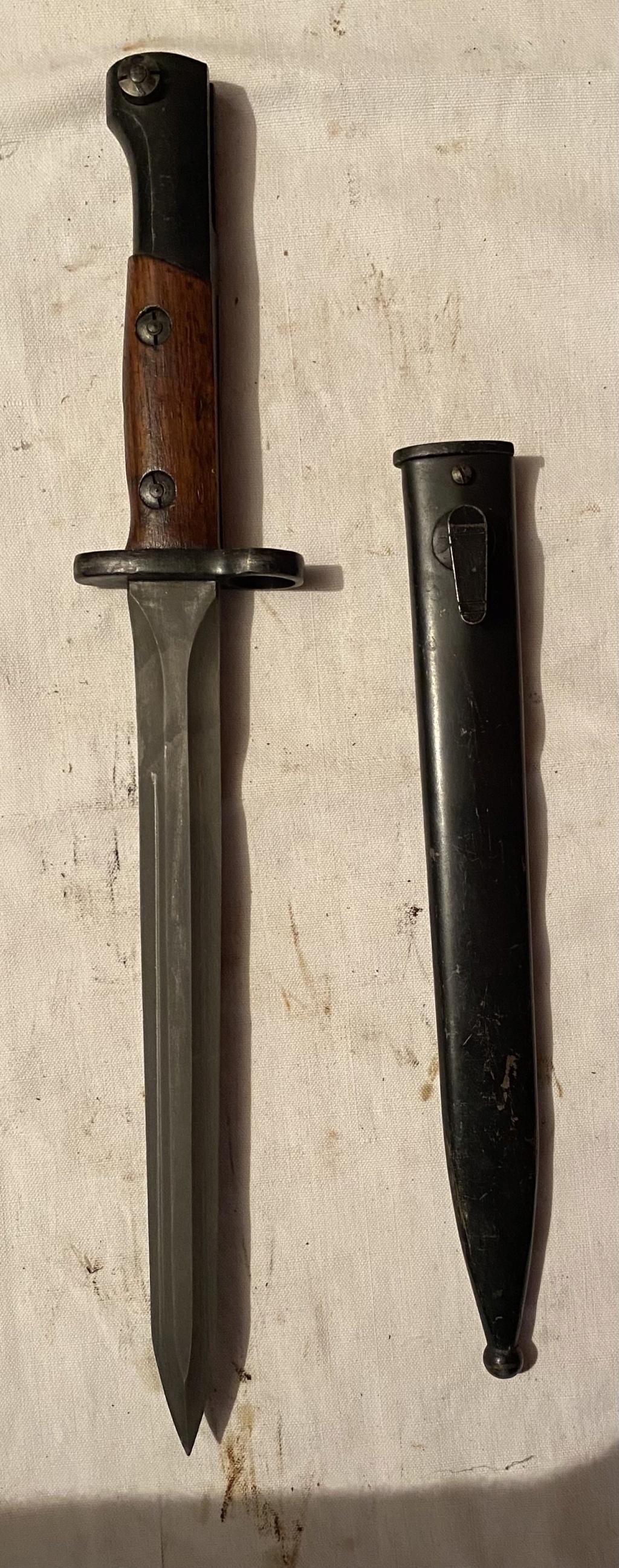 52 armes blanches ! Baïonnettes, dagues, toutes nationalités et époques ! Part 2 42_310