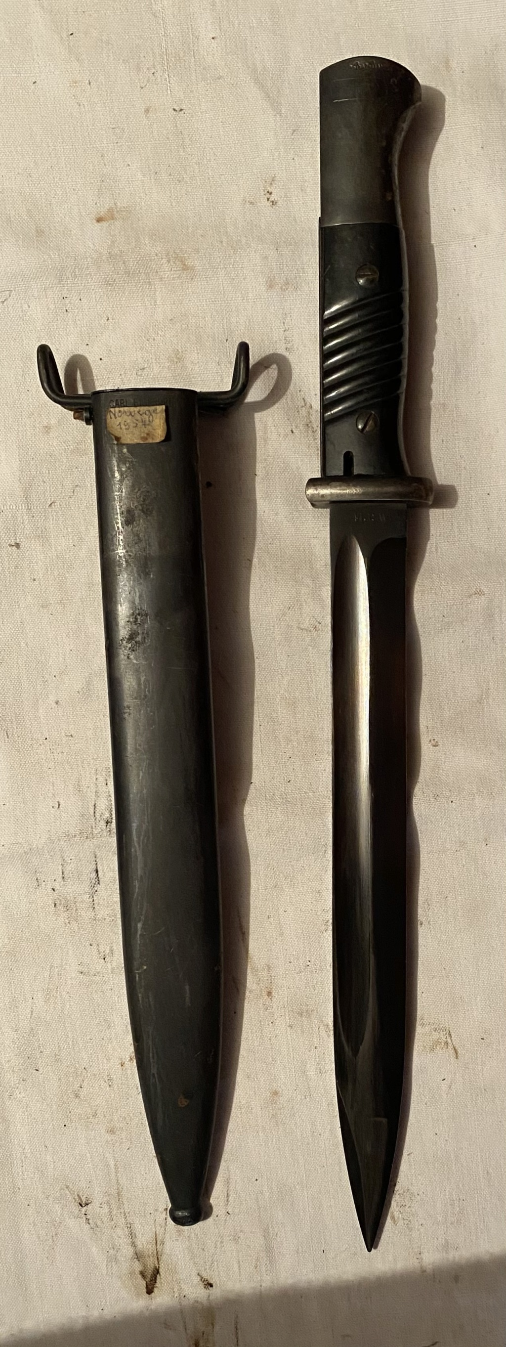 52 armes blanches ! Baïonnettes, dagues, toutes nationalités et époques ! Part 2 46_210