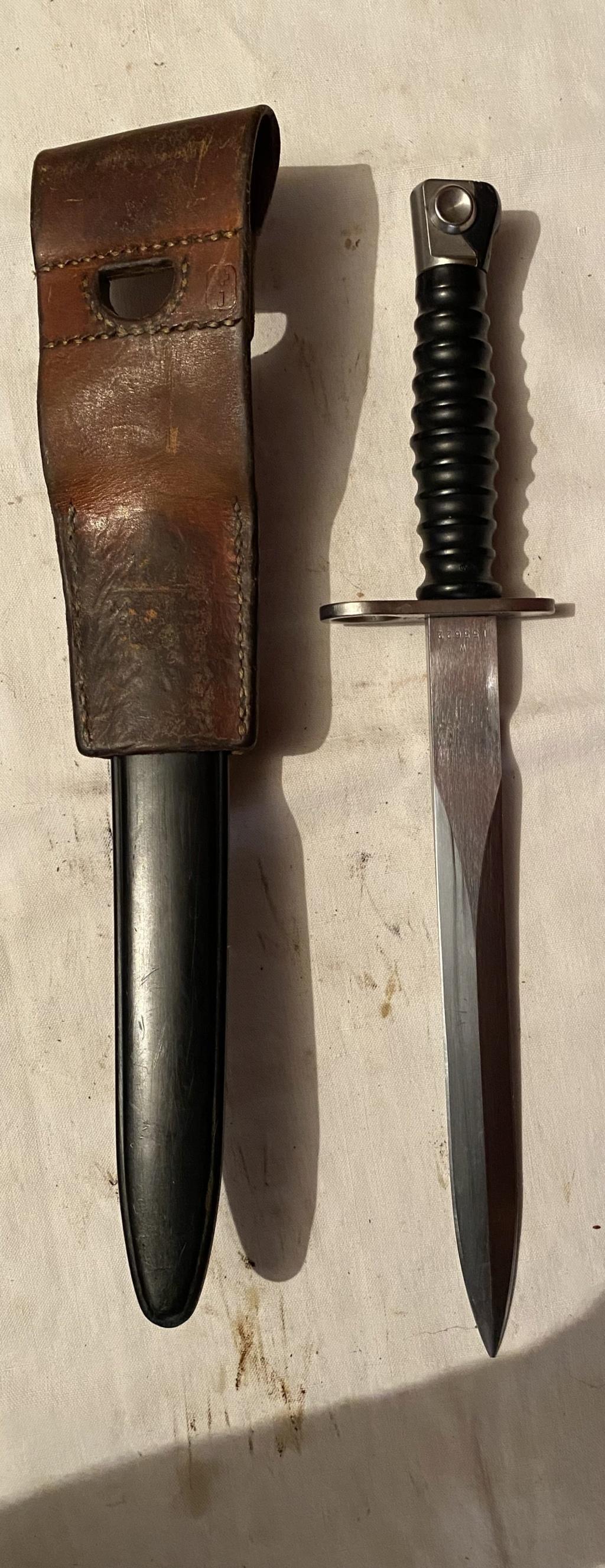 52 armes blanches ! Baïonnettes, dagues, toutes nationalités et époques ! Part 2 47_210