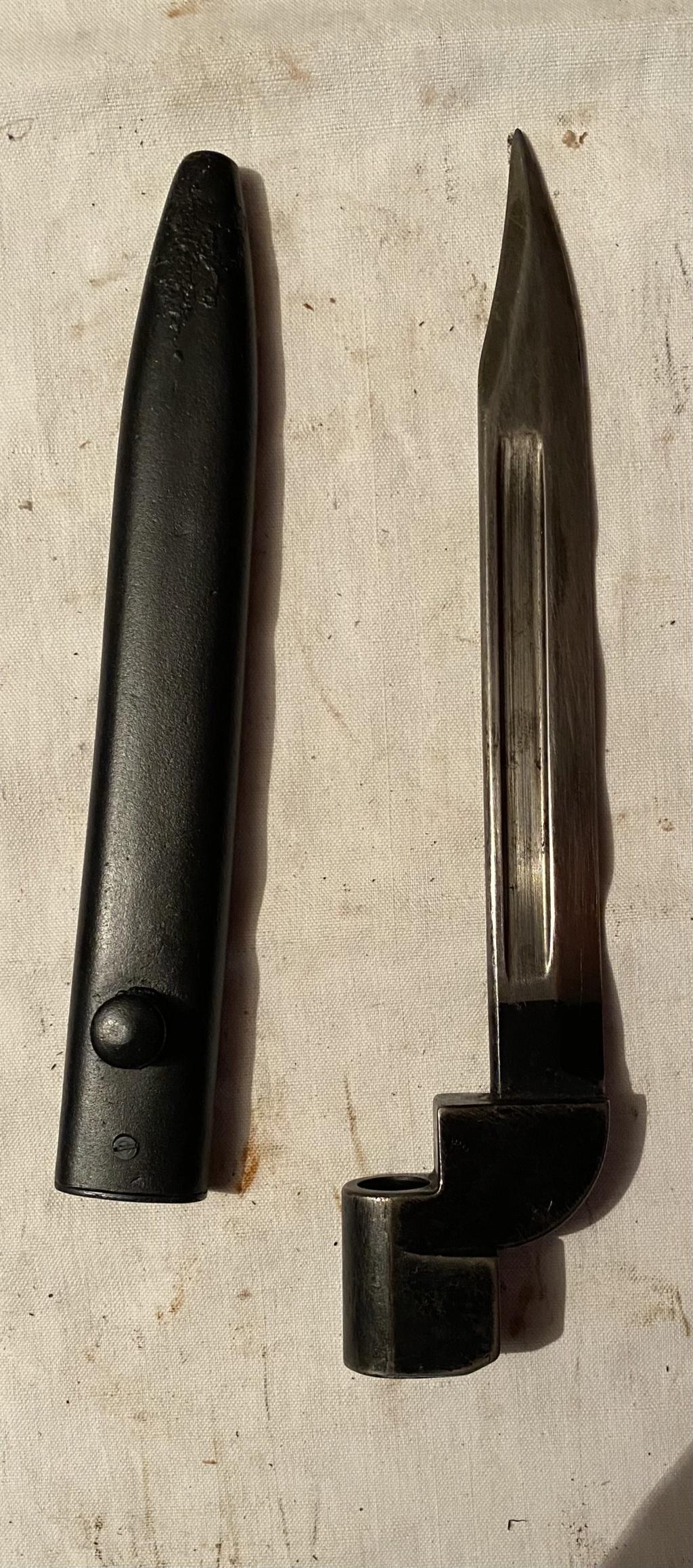 52 armes blanches ! Baïonnettes, dagues, toutes nationalités et époques ! Part 2 50_110