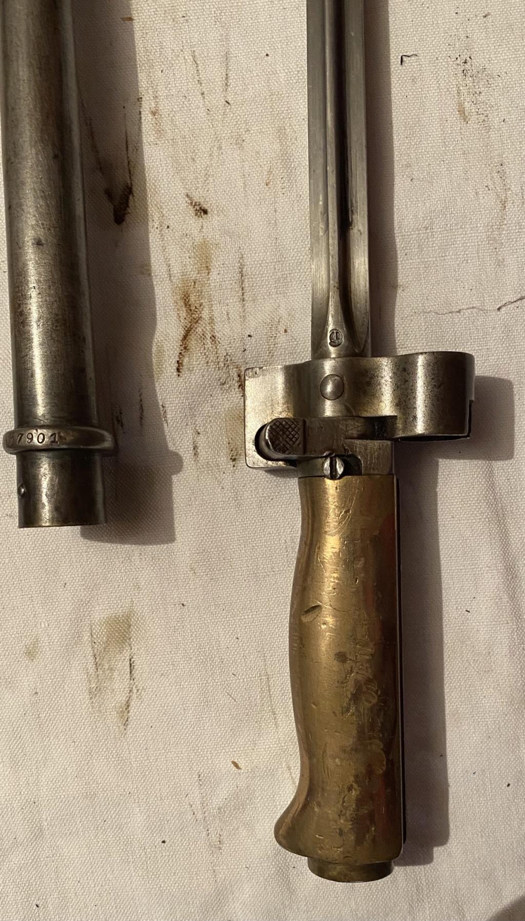 52 armes blanches ! Baïonnettes, dagues, toutes nationalités et époques ! Part 2 51_210