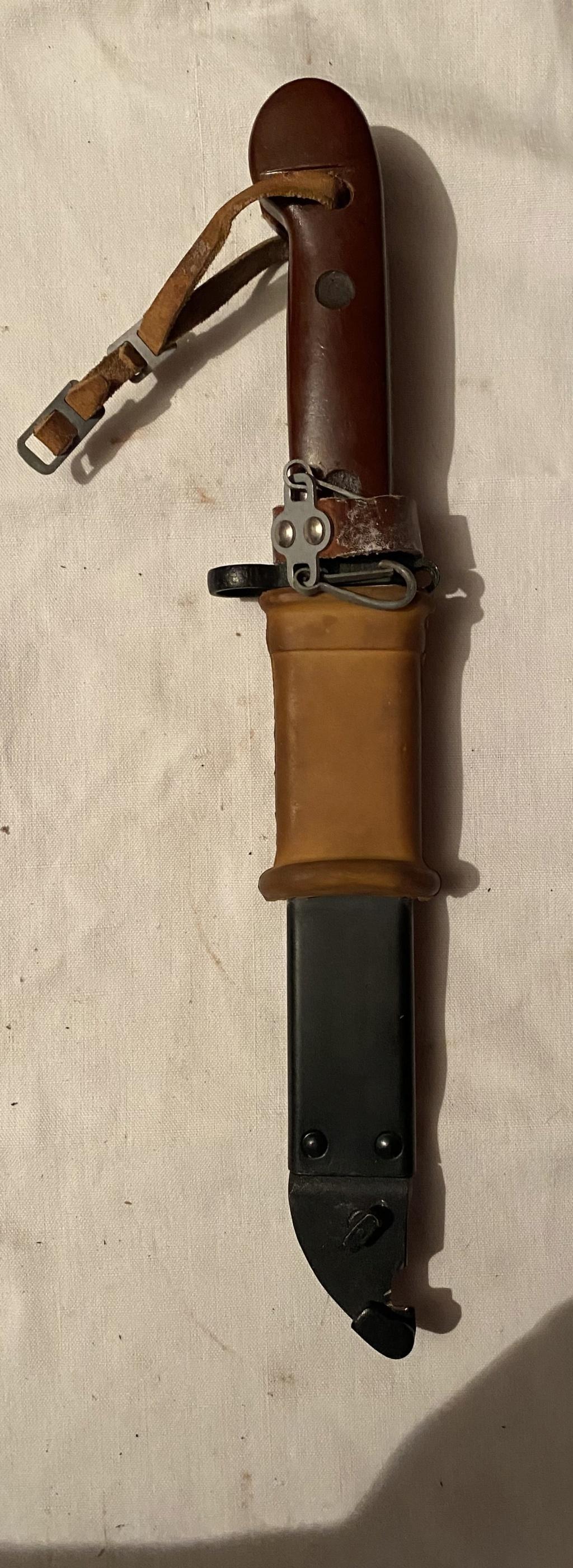 52 armes blanches ! Baïonnettes, dagues, toutes nationalités et époques ! Part 1 8_210