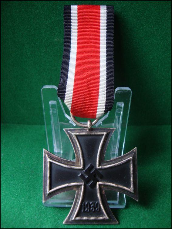 Vos décorations militaires, politiques, civiles allemandes de la ww2 Captur12
