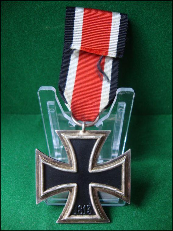 Vos décorations militaires, politiques, civiles allemandes de la ww2 Captur16