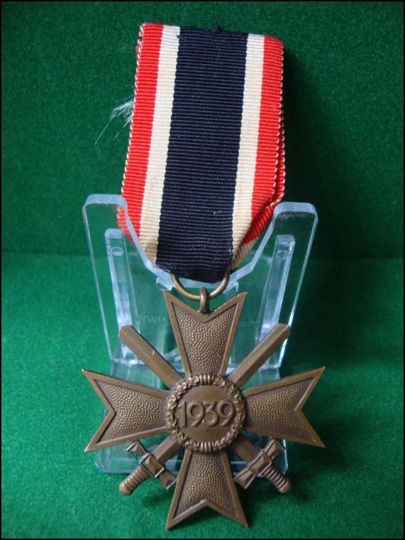 Vos décorations militaires, politiques, civiles allemandes de la ww2 Captur18