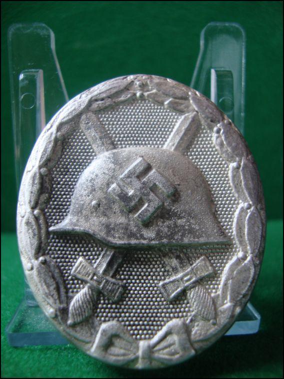 Vos décorations militaires, politiques, civiles allemandes de la ww2 Captur23