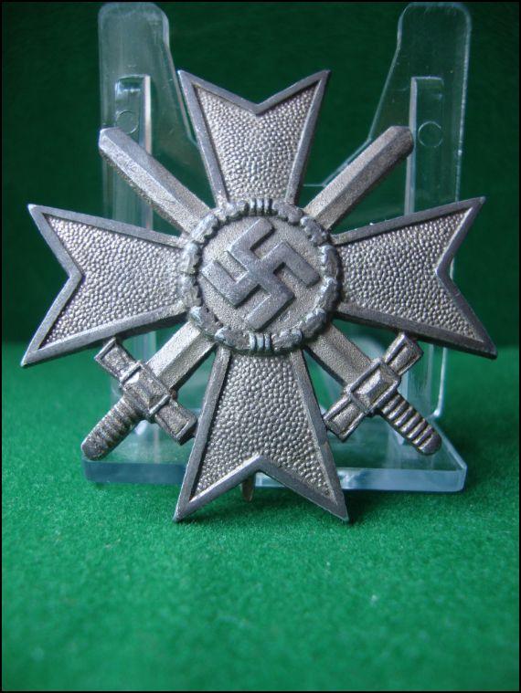 Vos décorations militaires, politiques, civiles allemandes de la ww2 Captur32