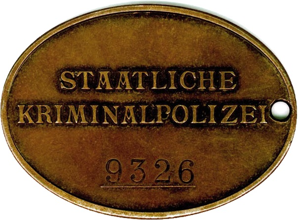 PLAQUE DE POLICE ALLEMANDE SECONDE GUERRE Coin3b10