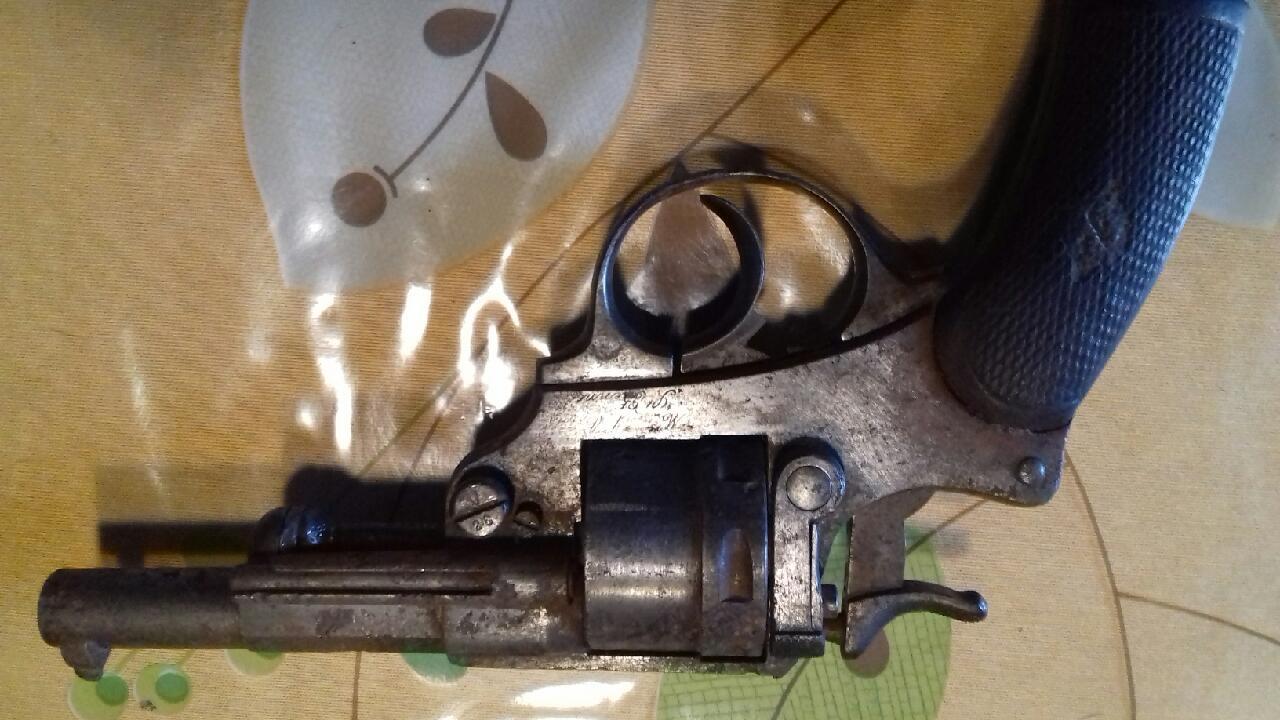 Lot de 4 armes à feu pour identification et estimation Img_2128