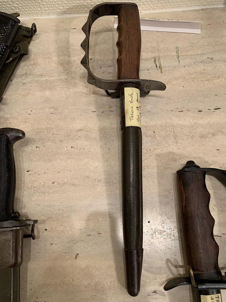 Deux Trench knife pour authentification et estimation  Img_3151