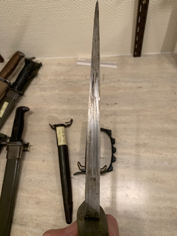 Deux Trench knife pour authentification et estimation  Img_3155