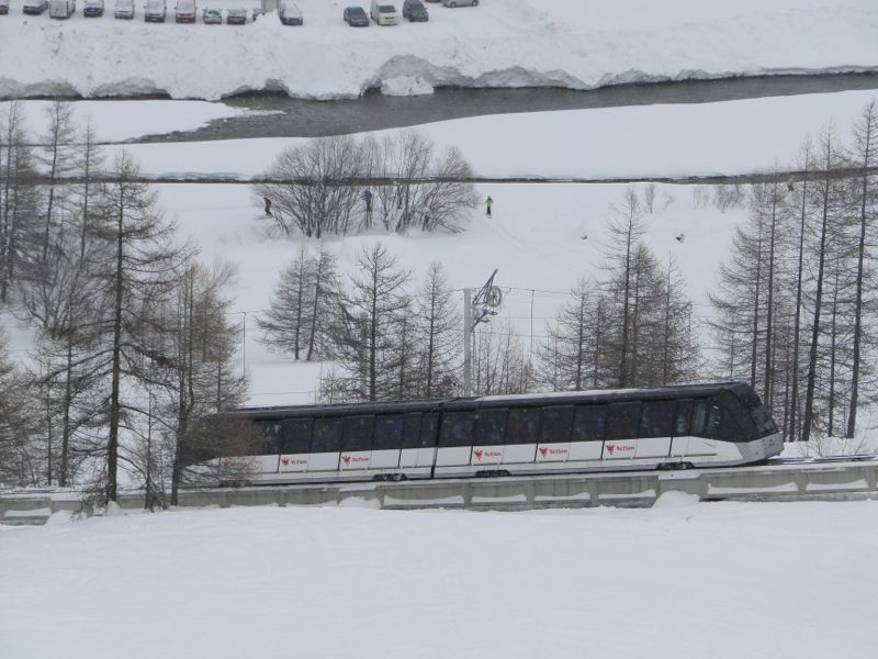 [Val d'Isère] Histoire du Funival Dsc01610