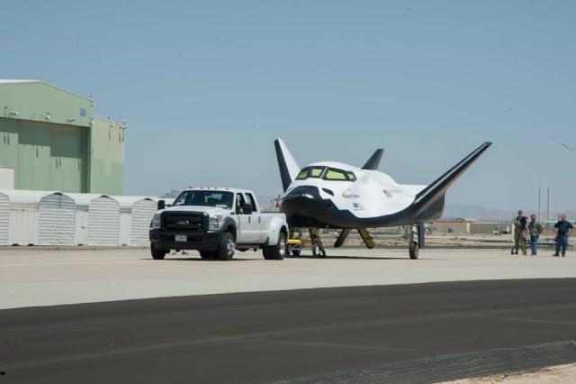 Dream Chaser prêt à faire son premier test de lâcher et vol libre 10004910