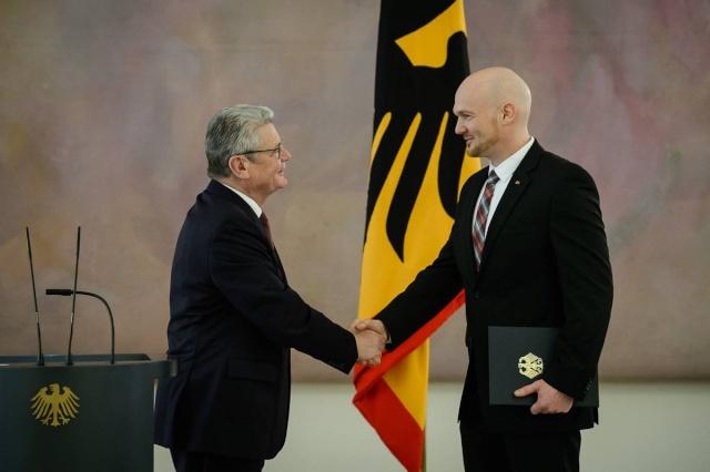 Alexander Gerst reçoit l'Ordre du Mérite allemand Alexan10