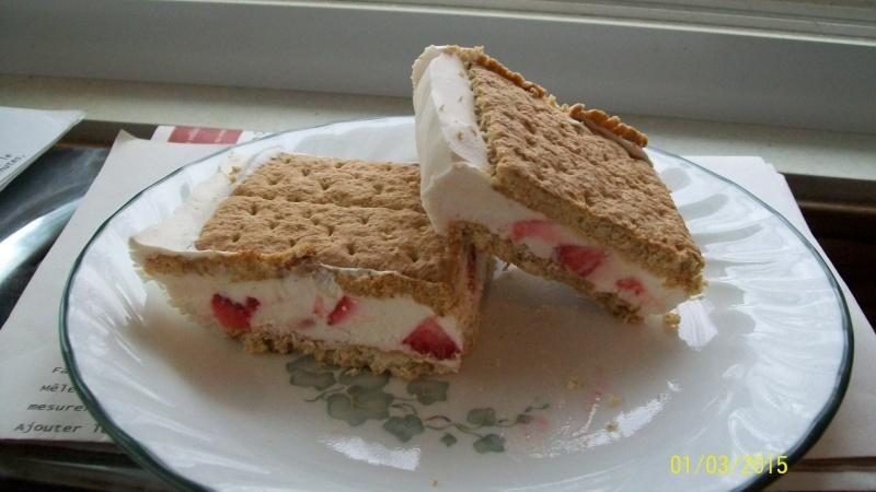 Sandwichs glacés aux fraises(2 versions) 100_6827