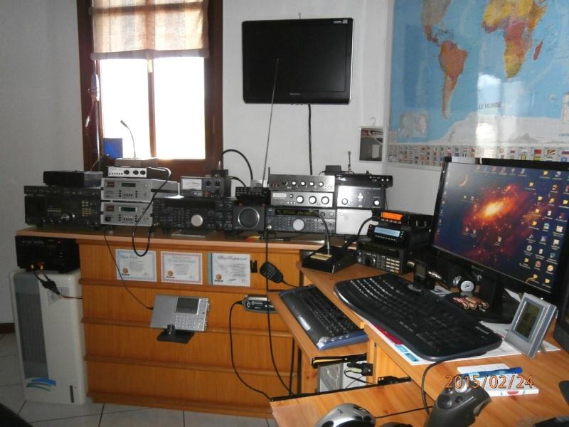 AMATEUR RADIO  P2240213