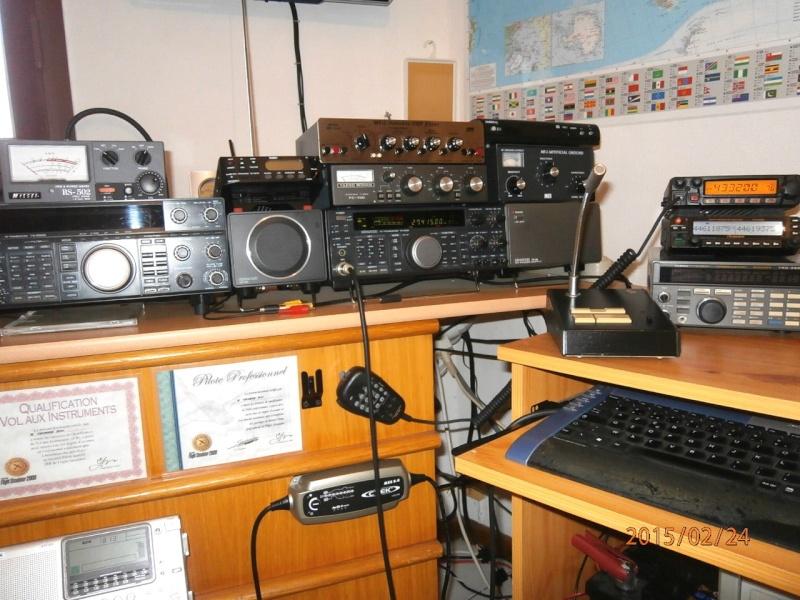 AMATEUR RADIO  P2240215