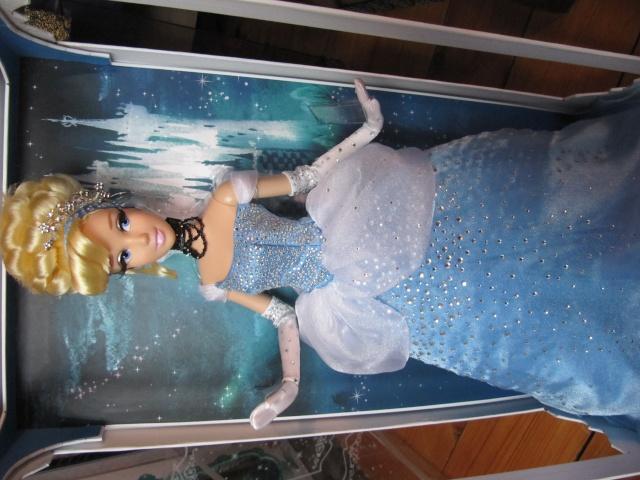 Disney Store Poupées Limited Edition 17'' (depuis 2009) - Page 2 Img_9511
