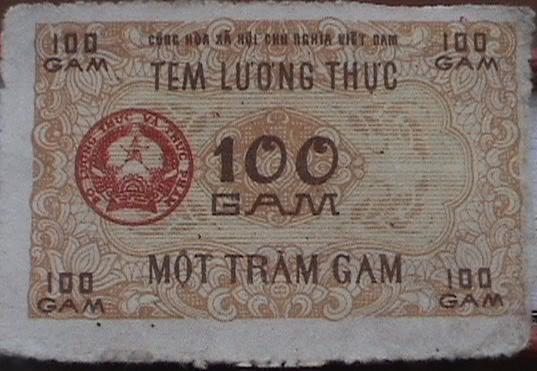"""Trưng bày cuộc sống Hà Nội thời bao cấp: """"Màu thời gian xám ngắt"""" 100gam10"""