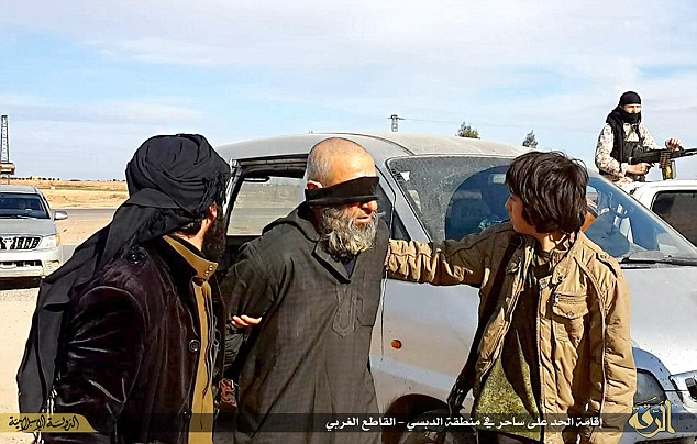 """IS: """"Nhà nước Hồi giáo"""" tự xưng - Page 6 257fe910"""