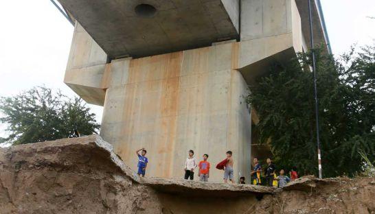 Tình hình Campuchia - Page 4 Bridge10