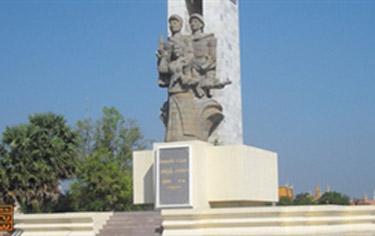 Đài Tưởng niệm Quân Tình nguyện Việt Nam Campuc10
