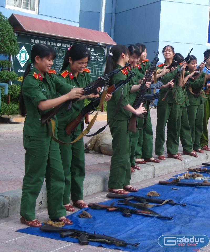 Những nữ sỹ quan tương lai đến từ Học viện Kỹ thuật Quân sự Hoc_vi10