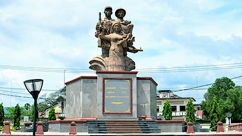 Đài Tưởng niệm Quân Tình nguyện Việt Nam Images16