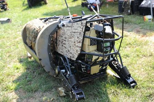 LS3: Robot mang vác hành lý cho người lính của DARPA Robot10