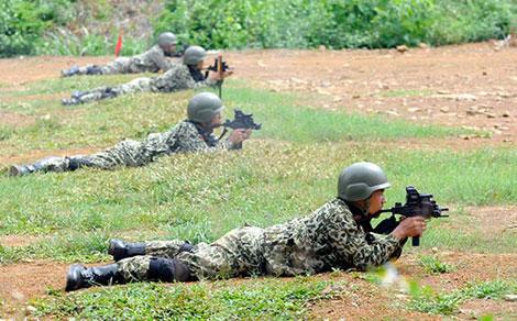 """Nhận diện súng """"lạ"""" của đặc công Việt Nam Uzidac10"""