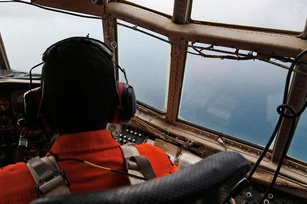 Vì sao chúng ta khó tìm được vị trí máy bay mất tích Vi-sao11