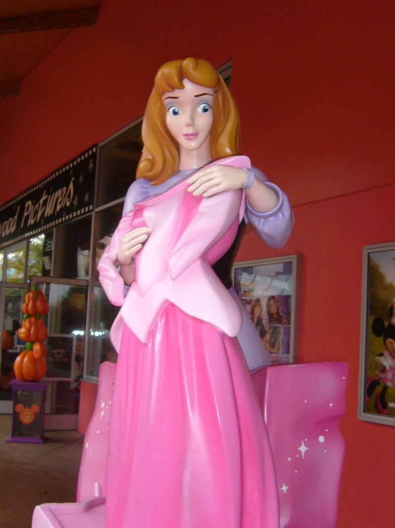 séjour du 4 et 5 octobre 2012 pour un premier Halloween à DISNEY. - Page 2 P1010226