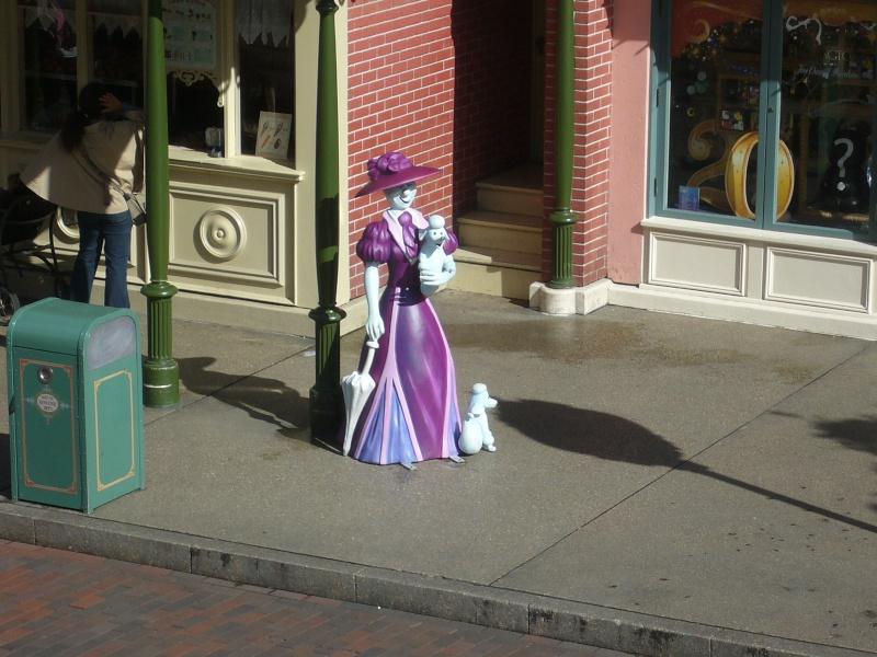 séjour du 4 et 5 octobre 2012 pour un premier Halloween à DISNEY. - Page 4 P1010338