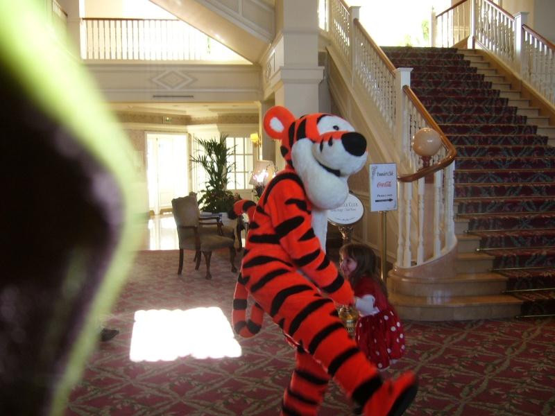 séjour du 4 et 5 octobre 2012 pour un premier Halloween à DISNEY. - Page 6 P1010423