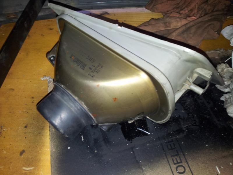 [Alain 13]  205 GTI 1L9 - 1900 - Blanc Meije - 1988 - Page 2 Phare10