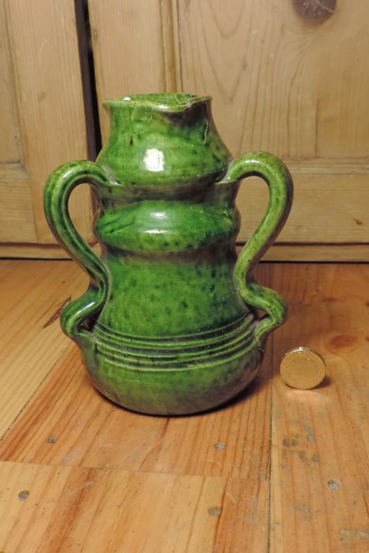 Green glazed pots - Belgium Art Pottery (not Farnham) - Page 2 Dscn4125