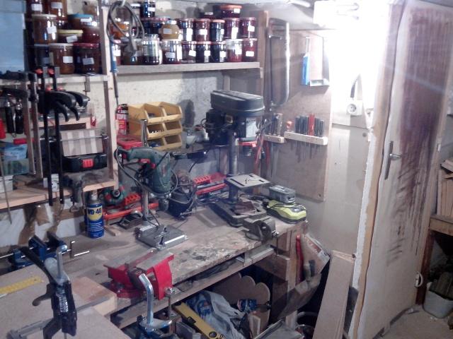 Mon tout mini atelier bois Img_2010