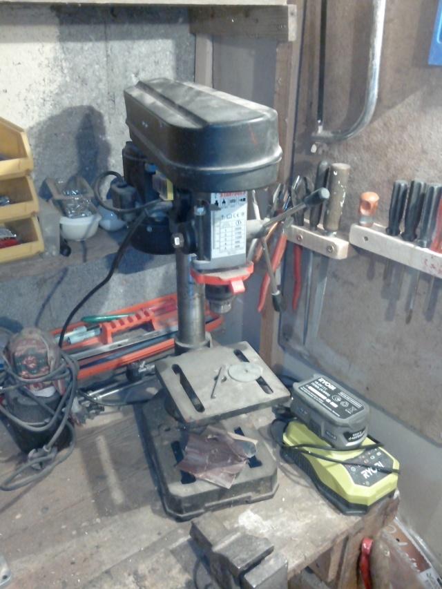 Mon tout mini atelier bois Img_2011