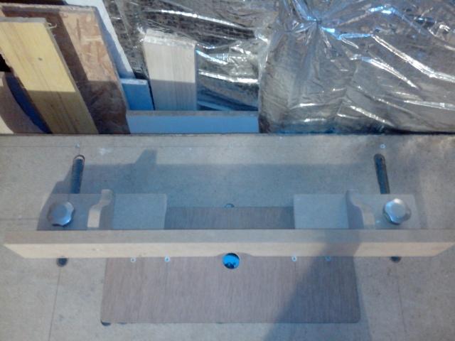 ma table de défonceuse (à petit prix !) Img_2103