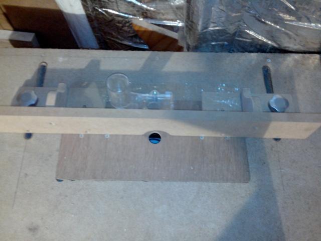 ma table de défonceuse (à petit prix !) Img_2104