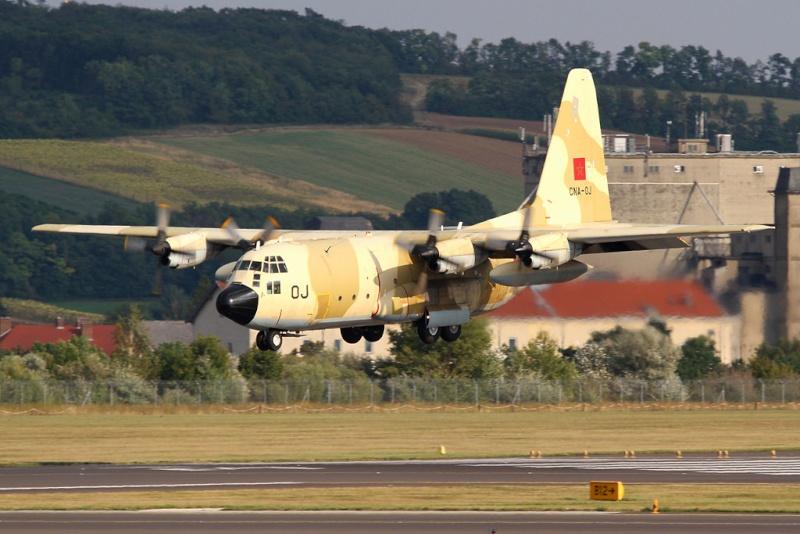 FRA: Photos d'avions de transport - Page 21 16194010
