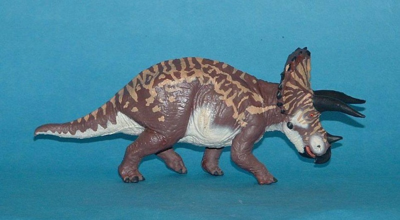 Reissue of Battat Dinosaur Range with New Models in U.S. Target stores!!! - Page 2 11002311