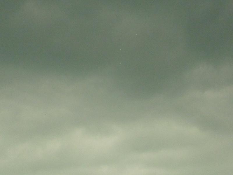 2012: le 28/06 à 15h13 - Un phénomène ovni insolite - Rouen-Petit-Couronne - Seine-Maritime (dép.76) 87710