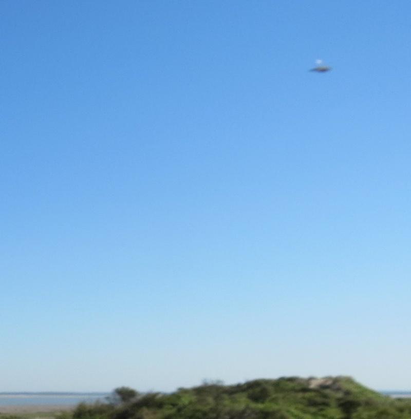 2013: le 01/08 à 10h15 - n est rien vu autre que sur une photoUn phénomène ovni surprenant - cayeux sur mer 80 - Somme (dép.80) Img_0210
