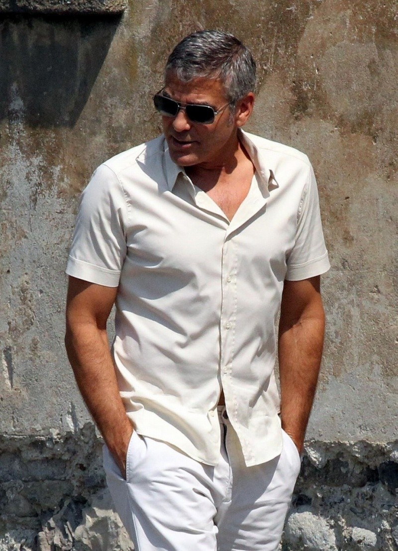 George Clooney Seen Smiling After Stacy Keibler Split--Just Jared - Page 2 00210